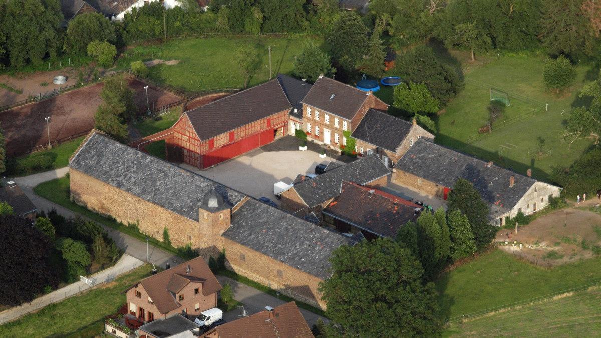Luftansicht Burg Schweinheim