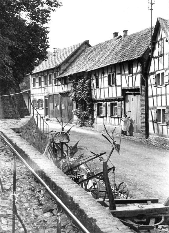 Antweiler Straße in Kreuzweingarten um 1950