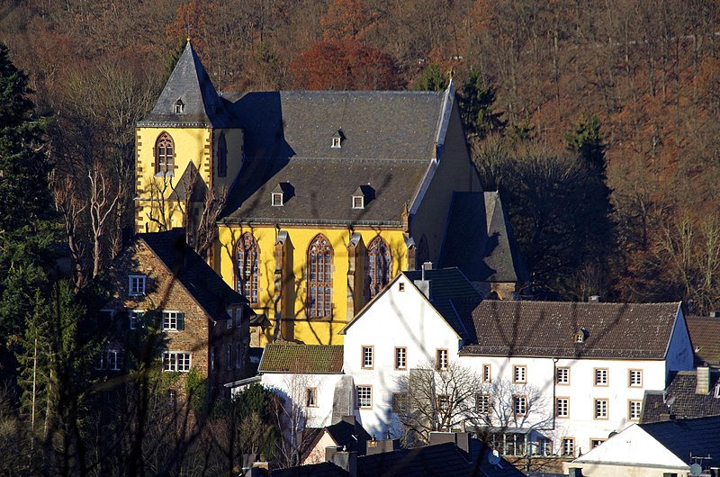Blick auf die Schlosskirche Schleiden